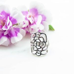 Flower Design Ring